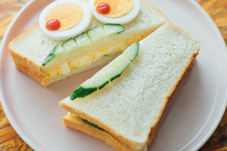 こどもに食べさせたい食事パン『emini』がパンで笑顔を増やす「顔パン部」スタート